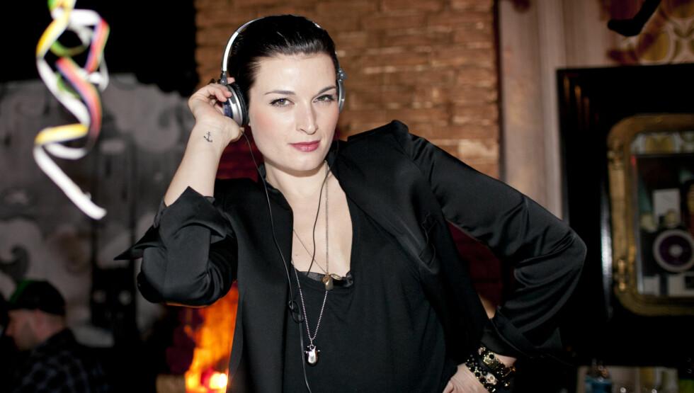 RADIODEBUT: Lise Karlsnes gjør sin radiodebut som programleder på P4 i sommer. Foto: Stella Pictures