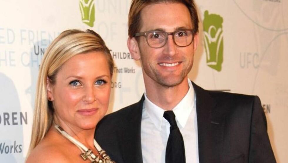 BLE FORELDRE FOR TREDJE GANG: TV-stjernen Jessica Capshaw og hennes ektemann Christopher Gavigan ble onsdag foreldre til sitt tredje barn. Den nyfødte jenta har fått navnet Poppy. Foto: All Over Press