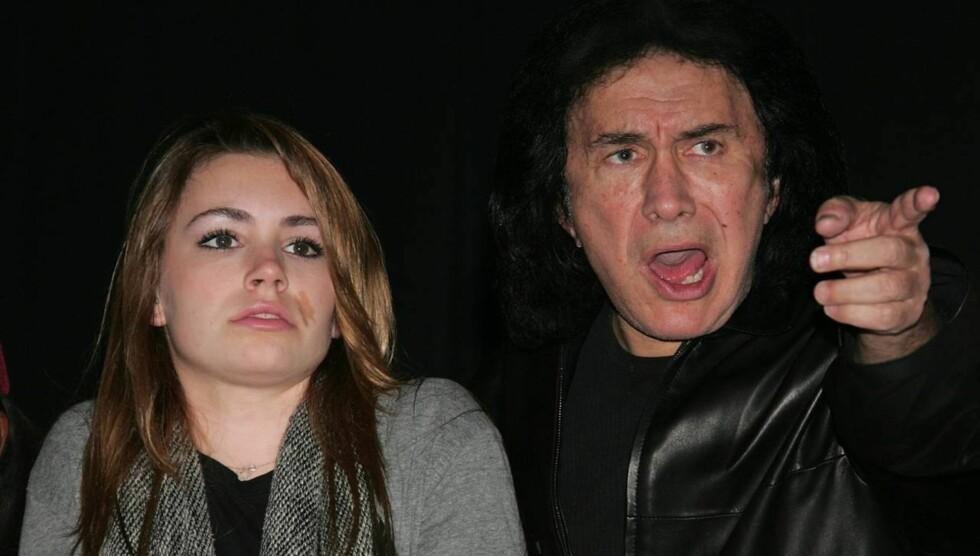 OVERRASKET FAREN: Sophie Simmons sa ingenting til faren Gene  før dagen før hun skulle prøve seg på audition i «X Factor». Foto: All Over Press