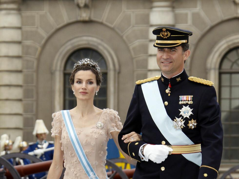 <strong>TRONARVING:</strong> Spanias arving til tronen, kronprins Felipe og hustruen kronprinsesse Letizia kastet glans over eventyrbryllupet.   Foto: NTB scanpix