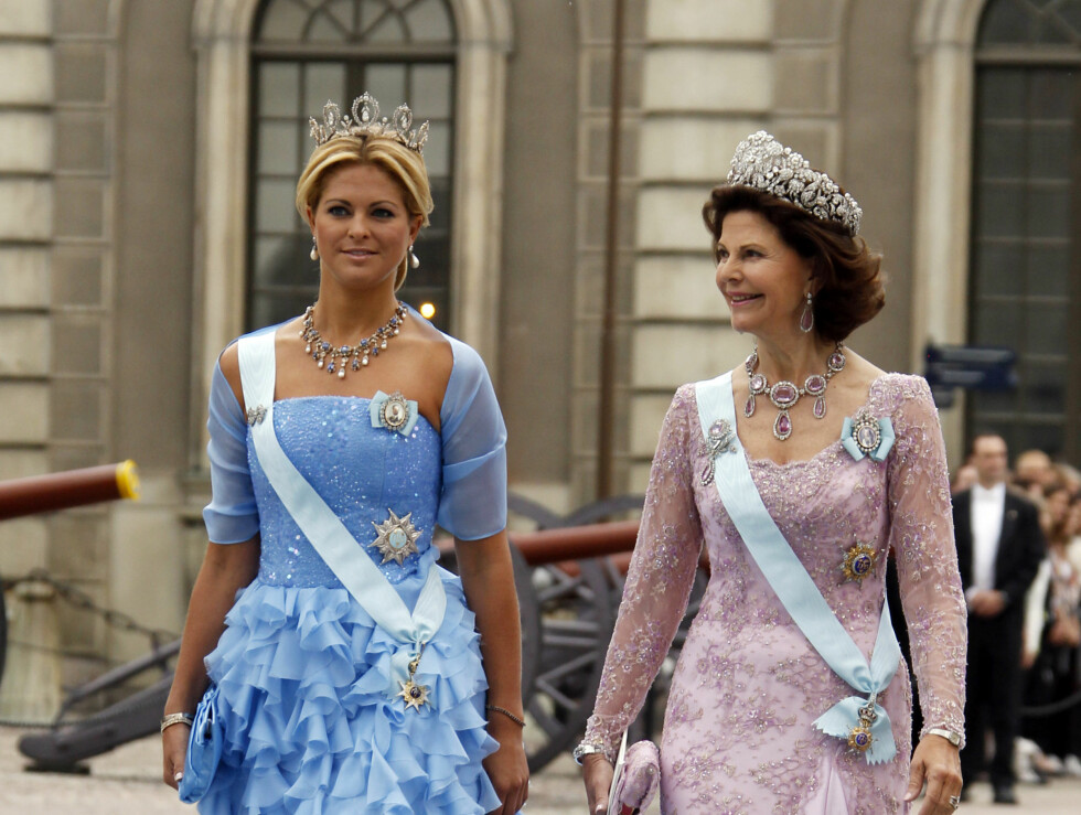 <strong>STOLTE:</strong> Prinsesse Madeleine og dronning Silvia. Foto: NTB scanpix