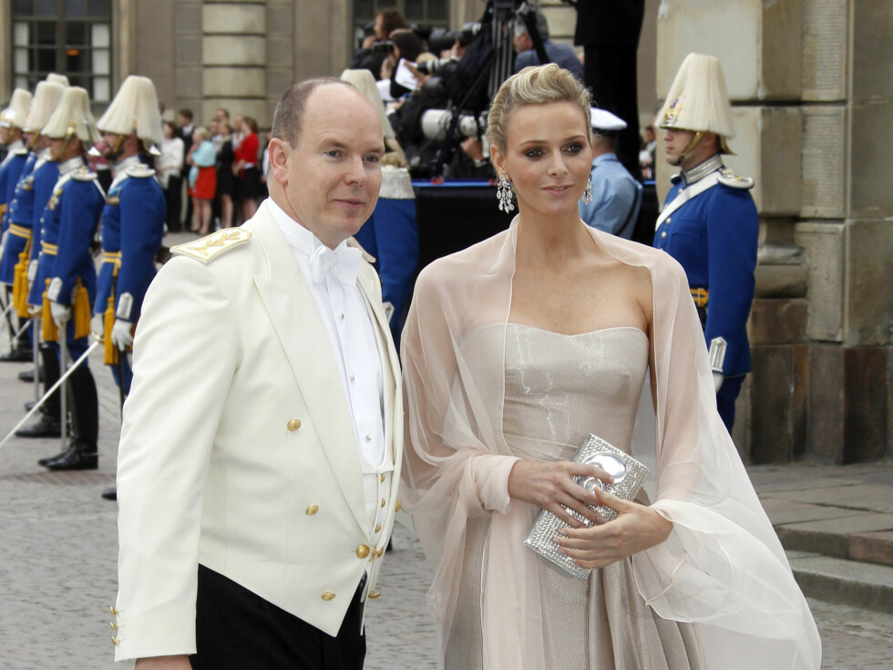 <strong>SVENSKEVENNER:</strong> Fyrst Albert av Monaco og fyrstinne Charlene. Foto: NTB scanpix