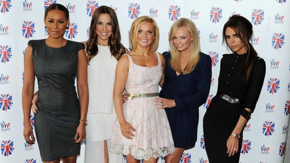 GJENFORENT: Mandag var Melanie Brown, Melanie Chisholm, Geri Halliwell, Emma Bunton og Victoria Beckham samlet igjen for å presentere en ny musikal.  Foto: All Over Press