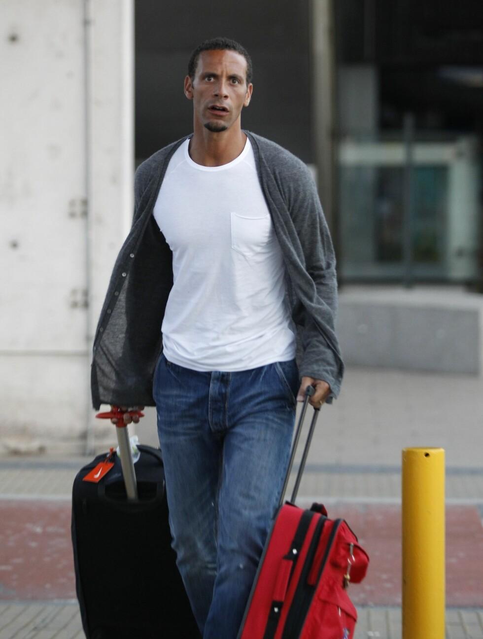 <strong>FIKK IKKE BLI MED:</strong> Rio måtte pakke badeshortsen istedenfor fotballsko, da han fikk beskjed om at han ikke fikk være med England til sommerens fotball-EM. Foto: Stella Pictures