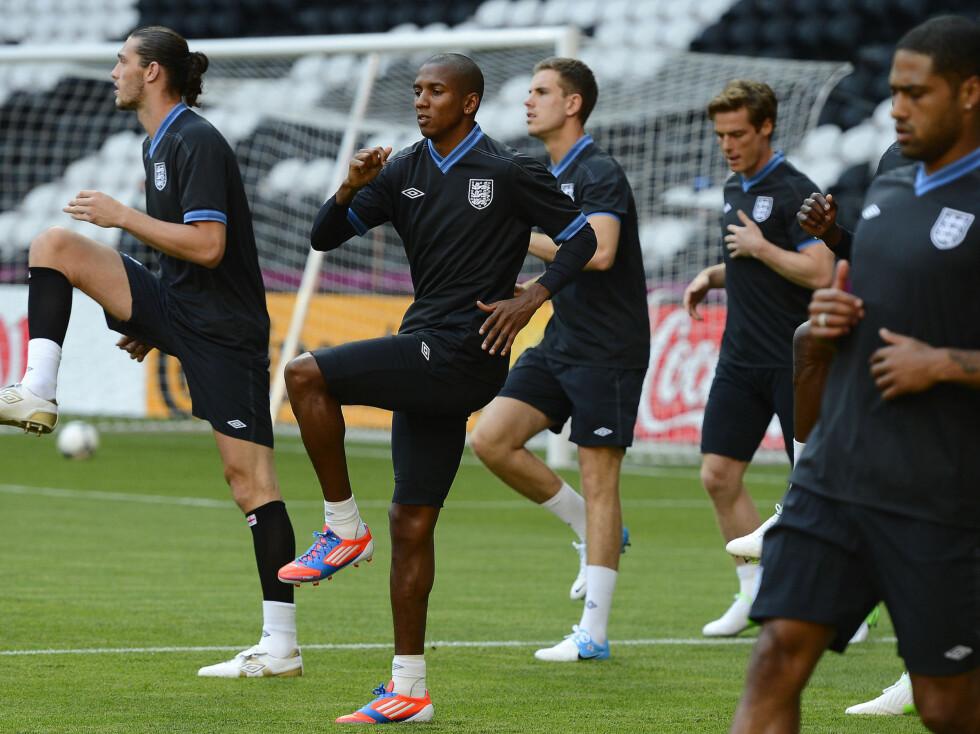 <strong>LADER OPP TIL VIKTIG KAMP:</strong> Det engelske fotball-landslaget spiller i kveld sin første kamp i årets EM, når de møter erkerivalen Frankrike. Foto: Reuters