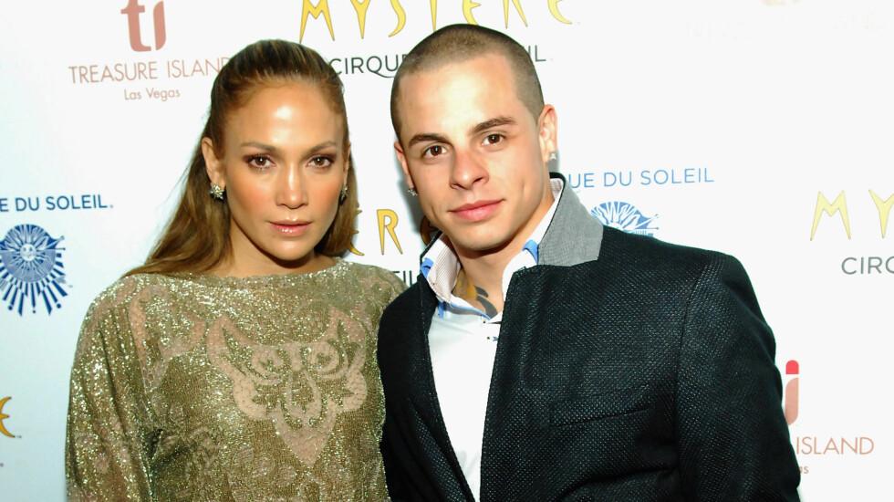SKAL IKKE GIFTE SEG: Jennifer Lopez avkreftet forlovelsesryktene på sin hjemmeside, og nekter for at hun skal gifte seg med kjæresten Casper Smart. Foto: All Over Press