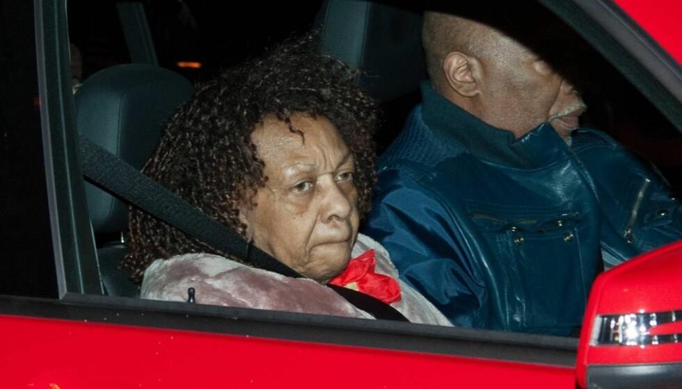 <strong>SKRIVER BOK:</strong> Whitney Houstons mor Cissy planlegger å skrive en avslørende bok om datterens liv.  Foto: All Over Press