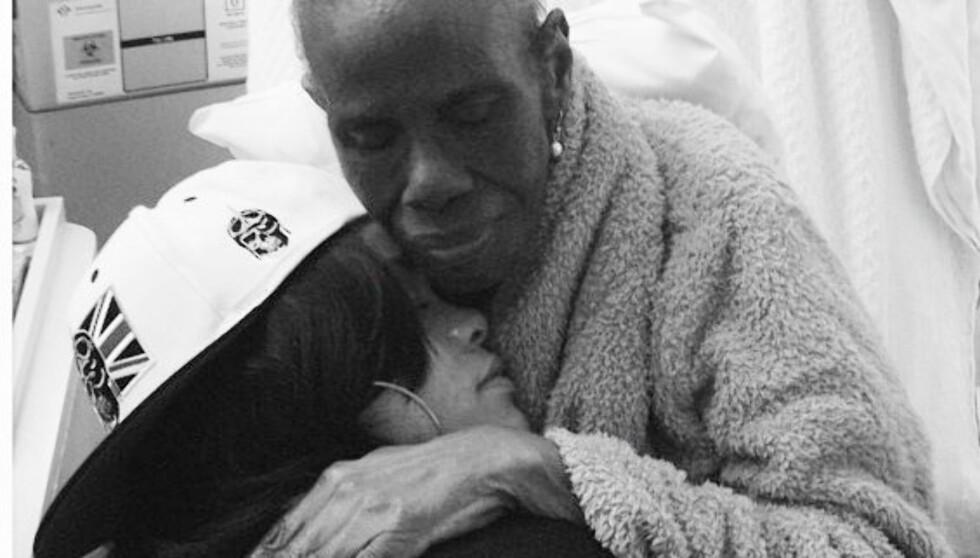 NÆRT FORHOLD: Rihannas bestemor Dolly kjemper mot kreften og stjernen frykter for hennes liv.  Foto: Rihanna/Twitter