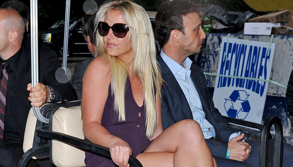 MEDISIN_STOPP: - Britney har tidligere gått på medisiner mot sykdommen, men har nå fått forbud av legen sin på grunn av at den gir bivirkninger i kombinasjon med antidepressiva hun allerede bruker, sier en kilde om Britney Spears.  Foto: All Over Press