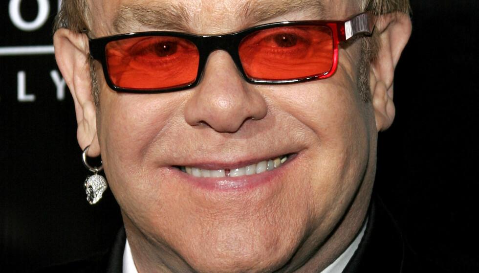 BEKLAGER TIL FANSEN: Elton John må alyse fire konserter i Las Vegas.  Foto: All Over Press