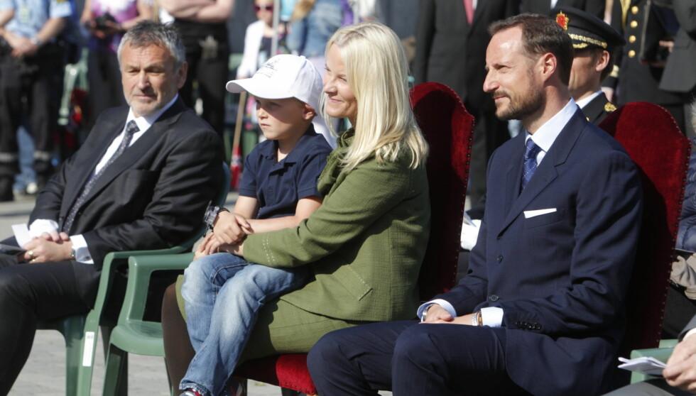 <strong>SAMLER FAMILIEN:</strong> Kronprinsparet besøker nå Møre og Romsdal. Prins Sverre Magnus er med på turen, og snart kommer også Ingrid Alexandra.  Foto: NTB scanpix