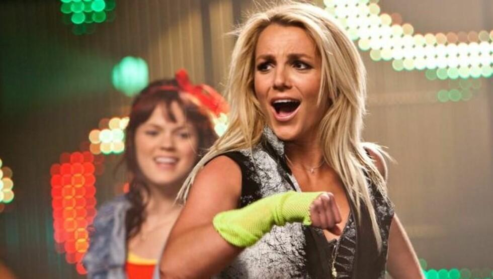 TV-JOBB: Britney Spears ser fram til å starte på sin nye jobb som kjendisdommer i TV-serien «X Factor». Foto: All Over Press