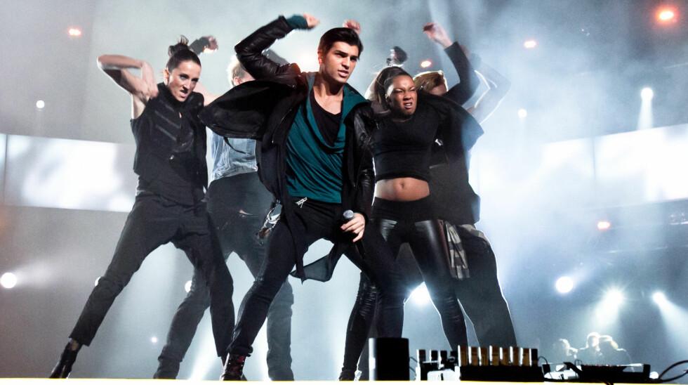 FALT IKKE I SMAK: Tooji fikk kritikk fra det svenske musikkpanelet under Eurovision-program.   Foto: Stella Pictures