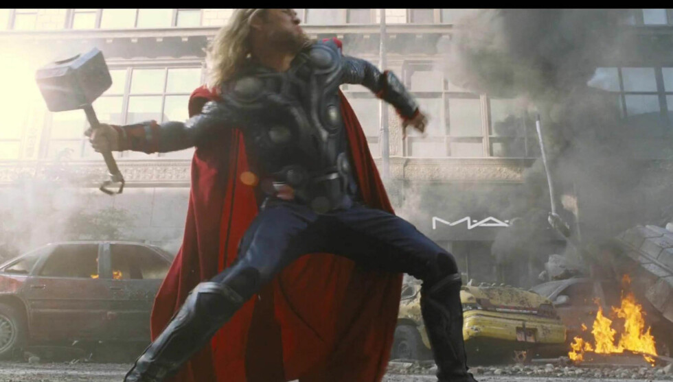 SUPERHELT: Chris Hemsworth i rollen som Thor i The Avengers. Foto: Stella Pictures