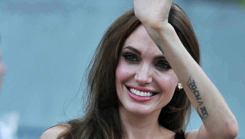 SKAL LEGGE PÅ SEG: Her ankommer Angelina Jolie premieren på Moneyball, under filmfestivalen i Toronto.  Foto: All Over Press