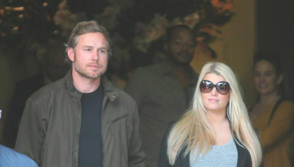 PLANLAGT FØDSEL: Jessica Simpson og forloveden Eric Johnson har planlagt datterens ankomst til verden.  Foto: All Over Press