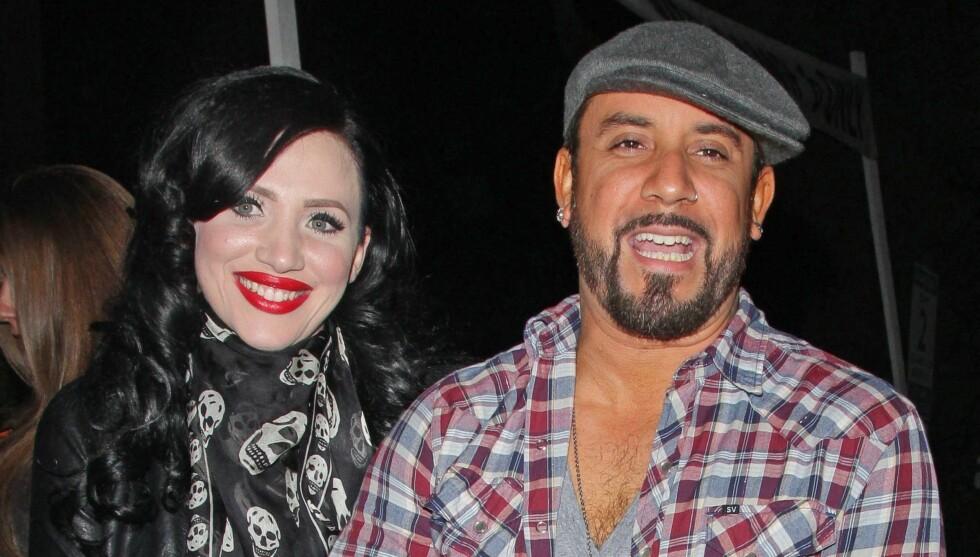 BLIR FORELDRE: Backstreet Boys-stjernen A.J. McLean og kona Rochelle DeAnna Karidis annonserte søndag at de blir foreldre for første gang. Foto: All Over Press