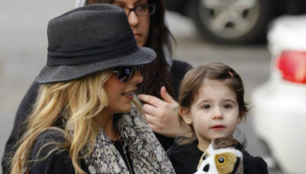 GRAVID: Sarah Michelle Gellar venter sitt andre barn. Hun er også mor til lille Charlotte (2).  Foto: All Over Press