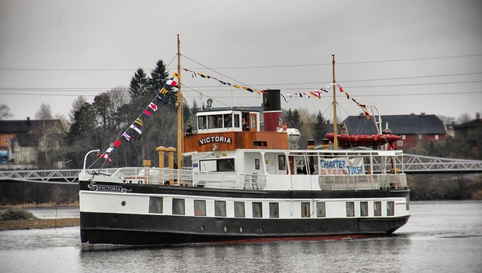 <strong>GAMMEL BÅT:</strong> Det er skuta «MS Victoria» som får besøk av NRKs kameraer når reisen oppover Telemarkskanalen skal foreviges. Foto: NRK