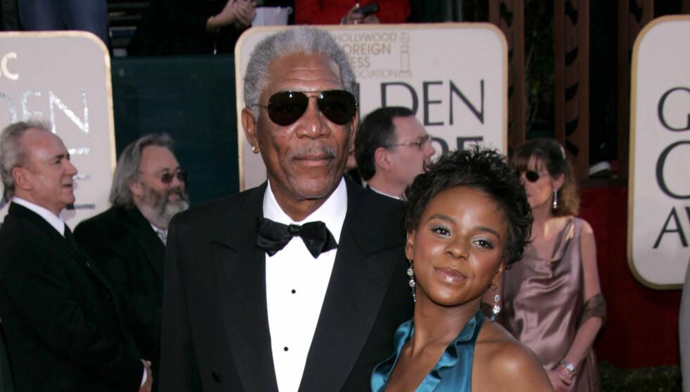 <strong>VAR MED PÅ FEST:</strong> Morgan Freeman kom med sitt stebarnebarn E&#8217;Dena Hines på Golden Globe i 2005.  Foto: All Over Press