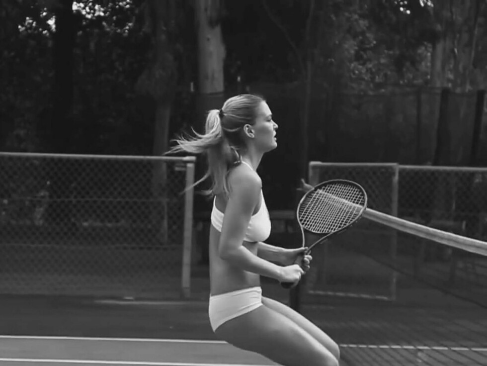 <strong>UNDERTØYSFILOSOFI:</strong> - Filosofien er at undertøyet skal komplementere kroppen, sier Refaeli. Foto: STELLA PICTURES