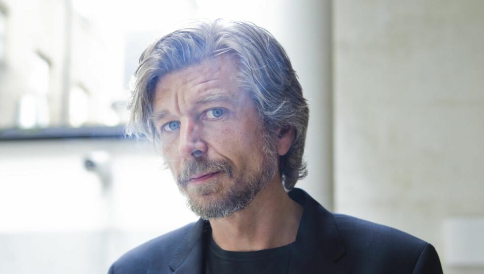 KRASJET BILEN: Karl Ove Knausgård sier til VG at han har krasjet bilen hele fire ganger siden han tok lappen for tre år siden. Foto: Berit Roald/Scanpix