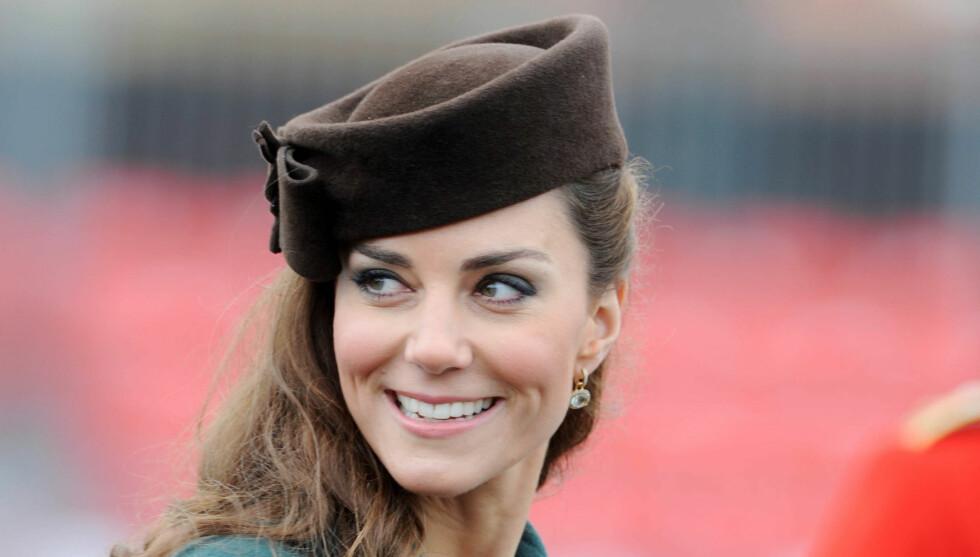 MÅ GÅ I TWEED?: Hertuginne Kate skal være utsatt for et visst press fra sin svigerfar, prins Charles. Foto: All Over Press