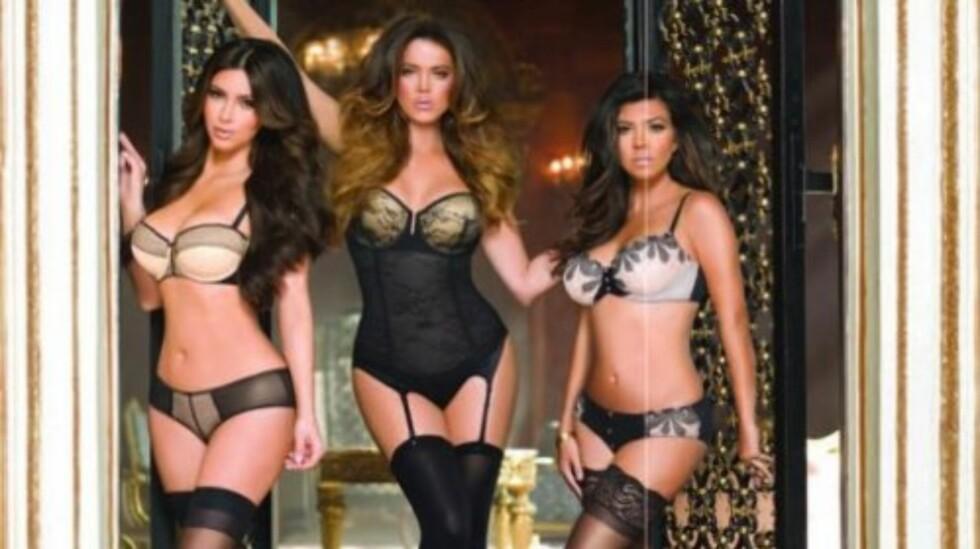 <strong>DRISTIG REKLAME:</strong> Søstrene Kim, Khloé og Kourtney Kardashian vekker oppsikt i Amerika med denne sexy undertøysreklamen.  Foto: Kim Kardashian/Twitter
