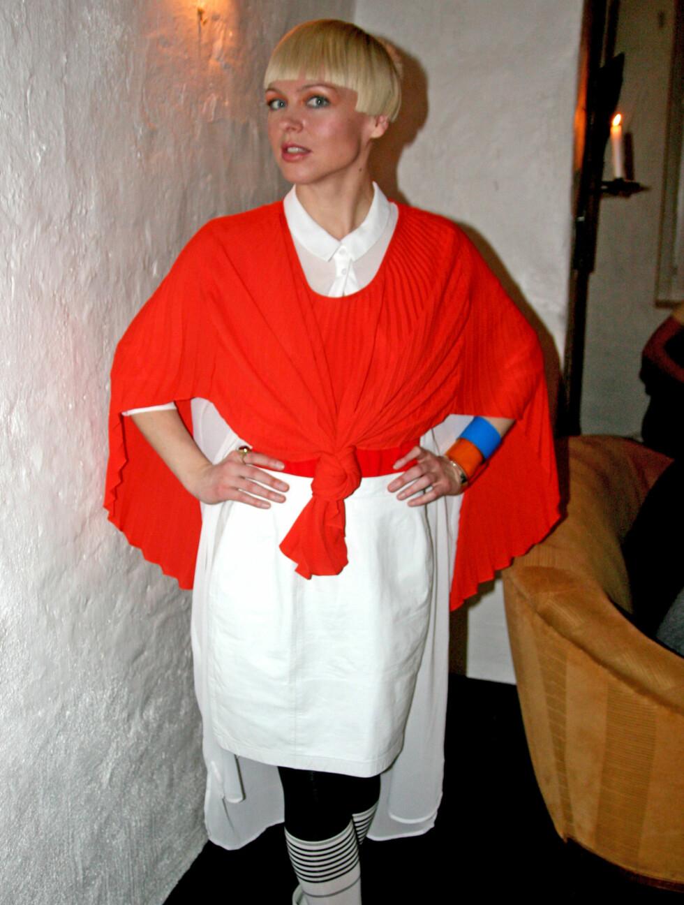 """PÅ PREMIERE: Mariann pyntet seg i hvitt og orange på premierefesten til sitt nye program """"Stil"""".  Foto: Lina Hekkli/Seoghør.no"""