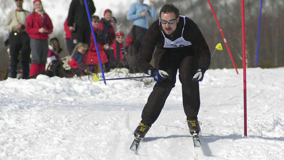 SKIGLAD: Her er kronprins Haakon på på ski under påskeferie i ved Sikkelsdalsetra i 2002.  Foto: NTB SCANPIX