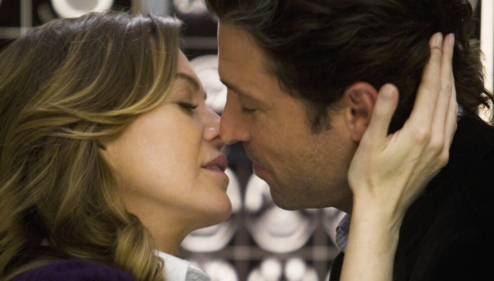 - SOM Å KYSSE BROREN SIN: Ellen Pompeo synes det er vanskelig å kysse Patrick Dempsey i TV-serien «Grey's Anatomy». Foto: TV 2