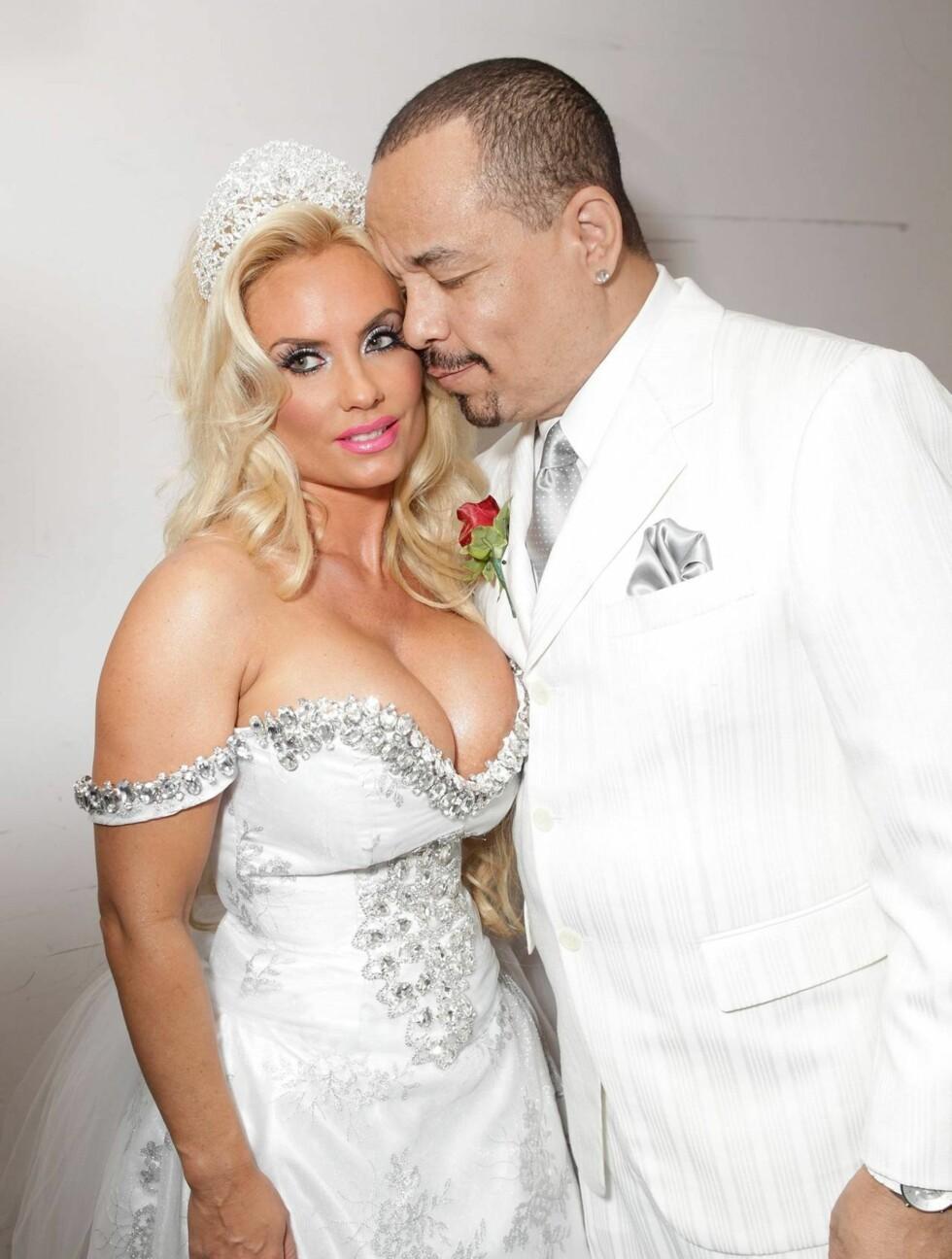 FORELSKET: 10 år etter at de giftet seg er Coco Austin og Ice-T fortsatt like forelsket. Foto: All Over Press