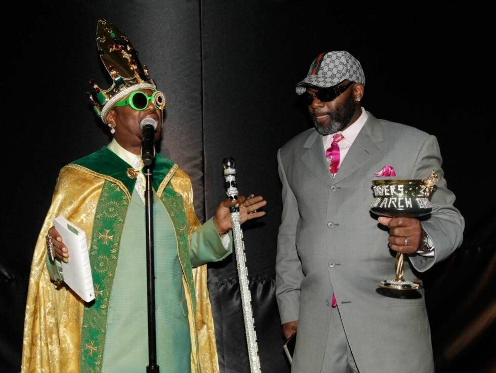 KOM SOM KONGE: Ice-Ts rapkompis Magic Don Juan kom til bryllupet utkledd som en konge og fikk nesten like mye oppmerksomhet som bruden. Foto: All Over Press