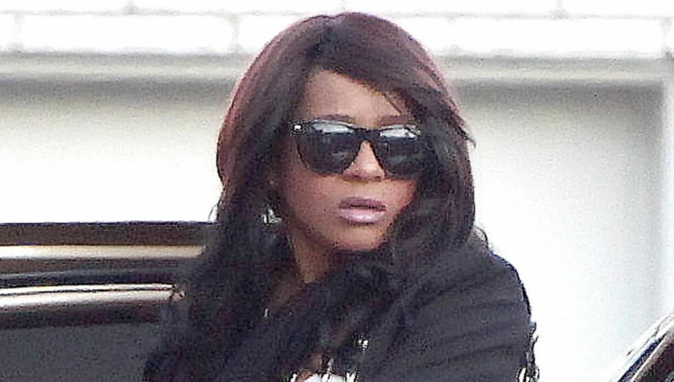TILBAKEVISER RUS: En talsperson for Houston-familien tilbakeviser at Whitneys datter Bobbi Kristina ruset seg da hun forsvant etter morens begravelse lørdag. Foto: All Over Press