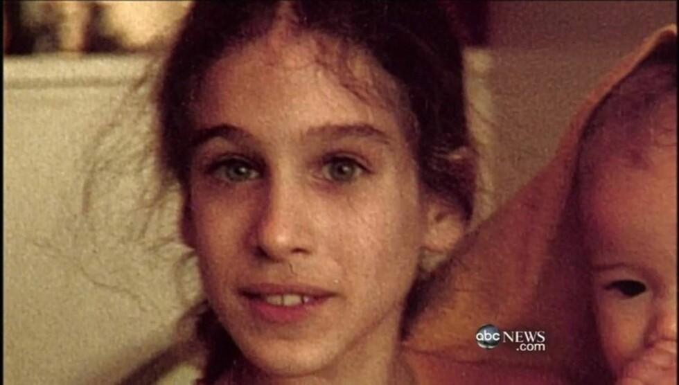 BARNESTJERNE: Slik så «Sex og singelliv»-stjernen Sarah Jessica Parker ut som liten jente. Skuespilleren viste selv fram sine gamle bider i et intervju med ABC. Foto: All Over Press
