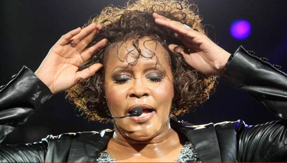 <strong>KAN HA DRUKNET:</strong> Ifølge kilder viser obduksjonsrapporten av Whitney Houston at hun ble funnet med vann i lungene, men det er ennå for tidlig å fastslå om sangstjernen døde som følge av drukning. Foto: All Over Press
