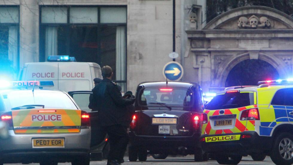 BILULYKKE: under innspillingen av den nye James Bond-filmen Skyfall, gikk det galt under filmingen av bilscener.  Foto: All Over Press