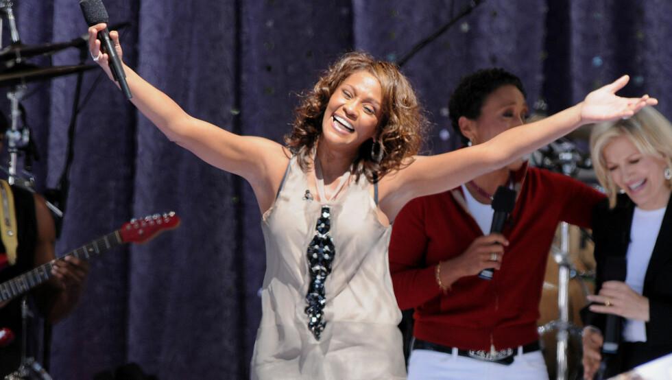 DØD: Whitney Houston var på god vei til å få livet ordentlig på fote igjen etter mange år med narkotikamisbruk. Hun etterlater seg datteren Bobbi Kristina (18) som hun har sammen med eks-mannen Bobby Brown. Foto: Stella Pictures