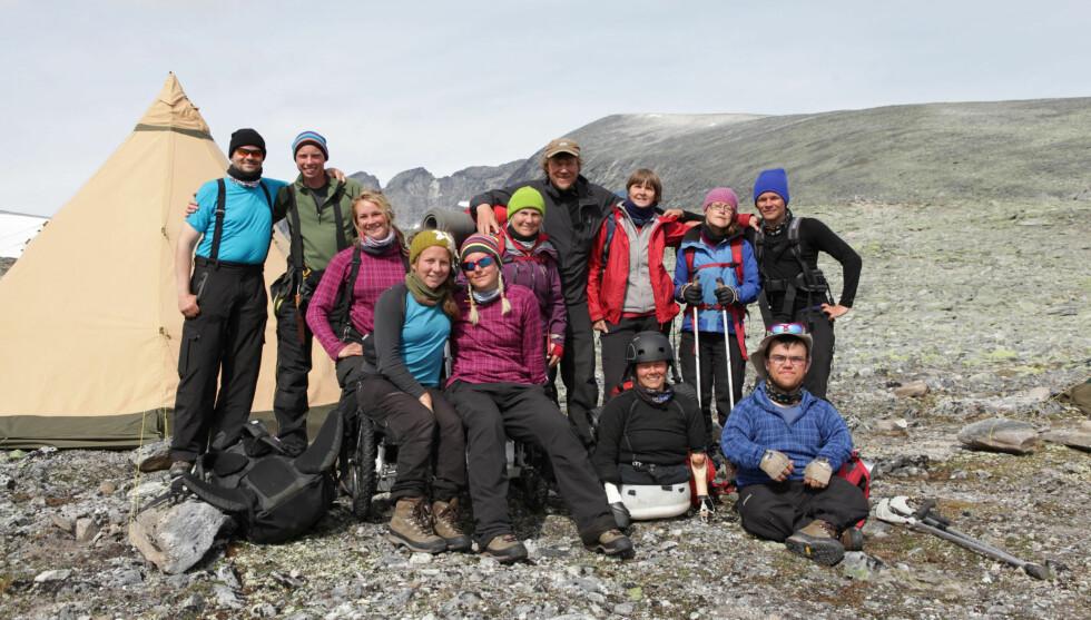 SETTER REKORDER: Over 1,4 millioner nordmenn så deltagerne i «Ingen Grenser» bestige toppen av Snøhetta søndag kveld.  Foto: Håvard Jenssen/Mastiff