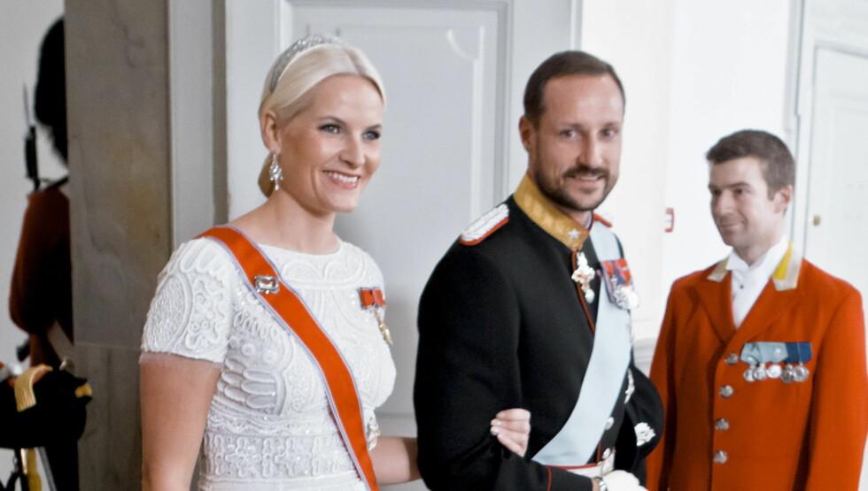 IVRIG PÅ TWITTER: Kronprinsesse Mette-Marit har blitt en ivrig bruker av sosiale medier. Foto: SCANPIX
