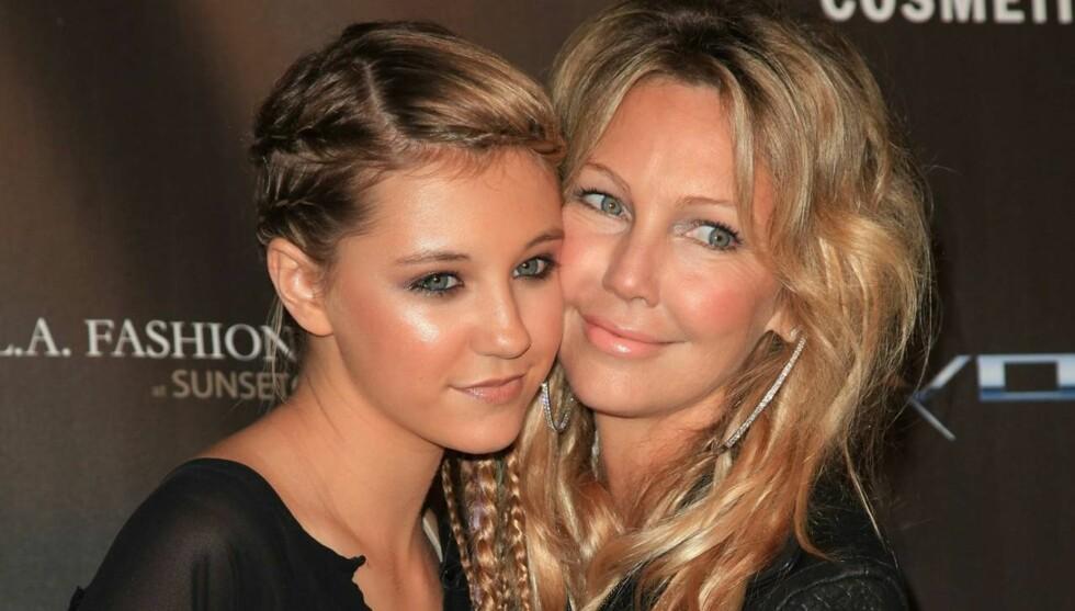 MOR OG DATTER: Heather Locklear og datteren Ava er prikk like. Nå blir de også skuespiller-kollegaer. Foto: All Over Press