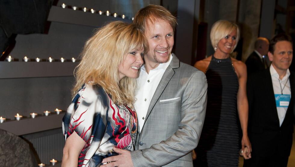 <strong>MED KONA:</strong> Petter Solberg sammen med kona Pernilla Walfridsson under Idrettsgallaen i Hamar OL-amfi i januar. Foto: Scanpix