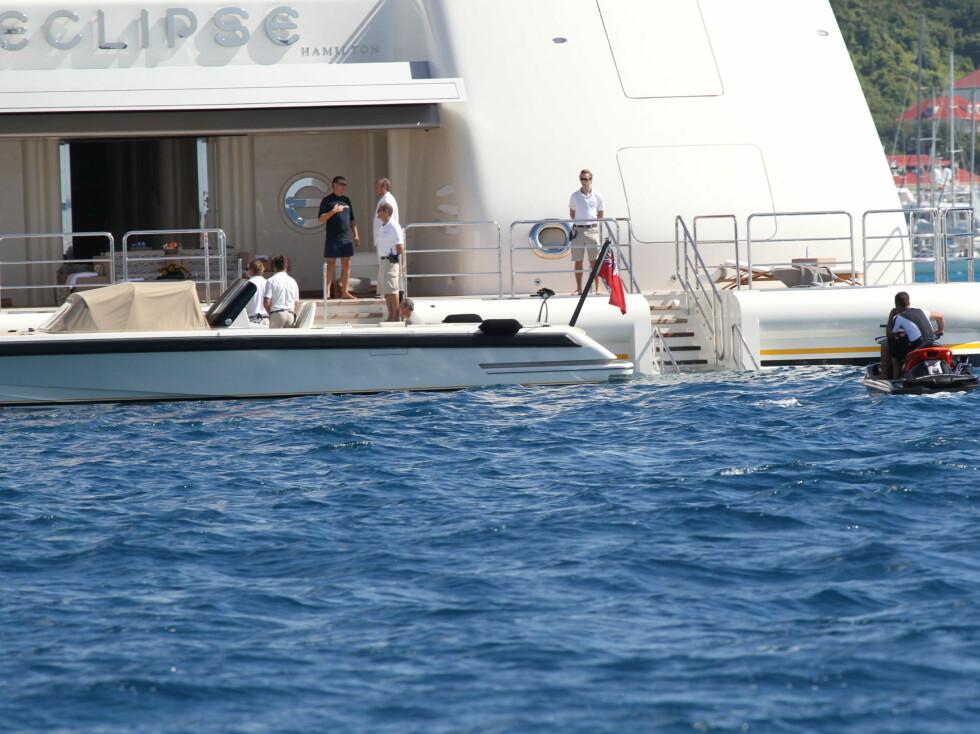 VANNLEK: Roman Abramovich til høyre på bildet.  Foto: All Over Press