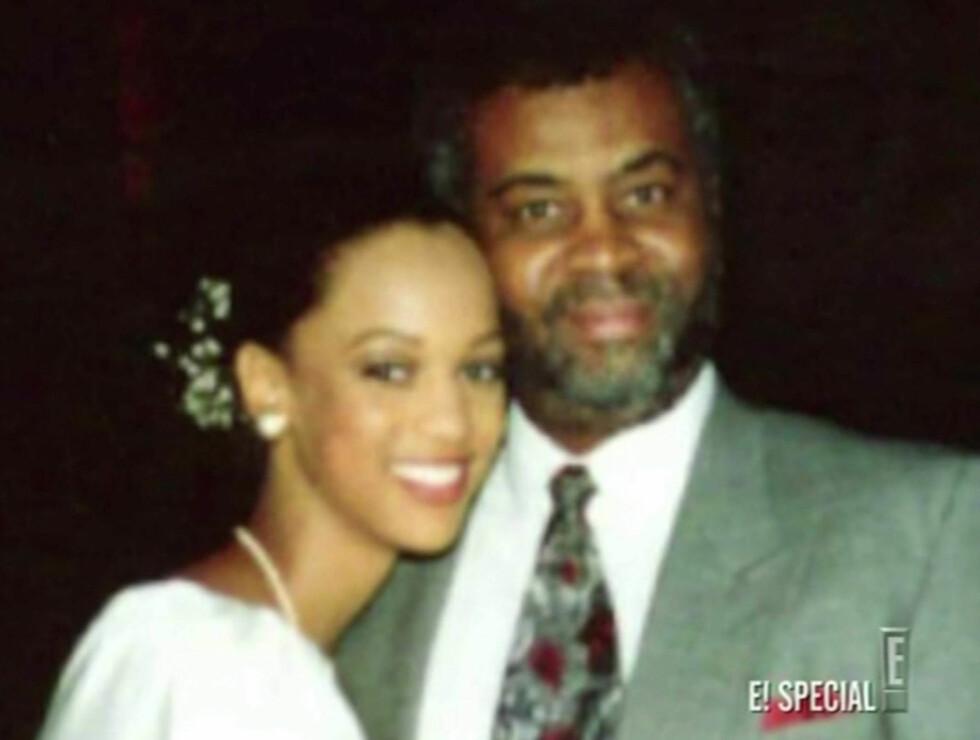 <strong>MED FAREN:</strong> Tyra med faren Donald Banks. Foto: Stella Pictures