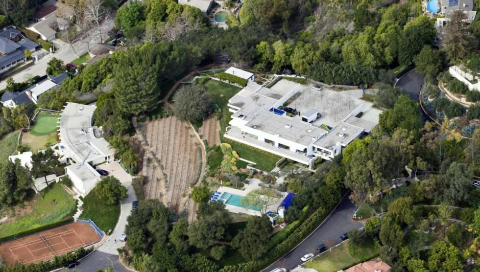 GLAD: Jennifer Aniston er den stolte huseier av et mansion i Bel Air i Los Angeles.  Foto: All Over Press
