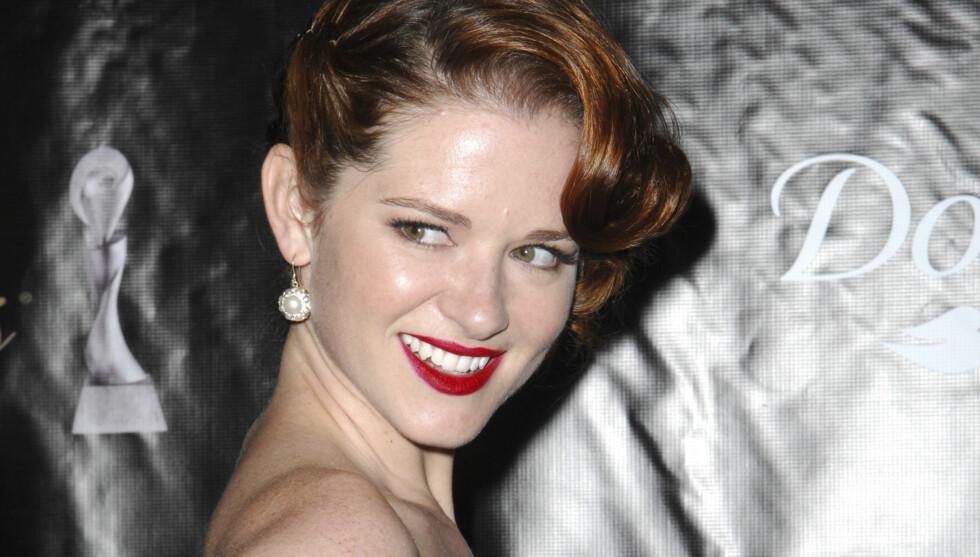 HOT: Sarah Drew har spilt i utallige serier, men er nok mest kjent som «Dr. April Kepner» i den populære TV-serien Grey's Anatomy. Foto: Stella Pictures