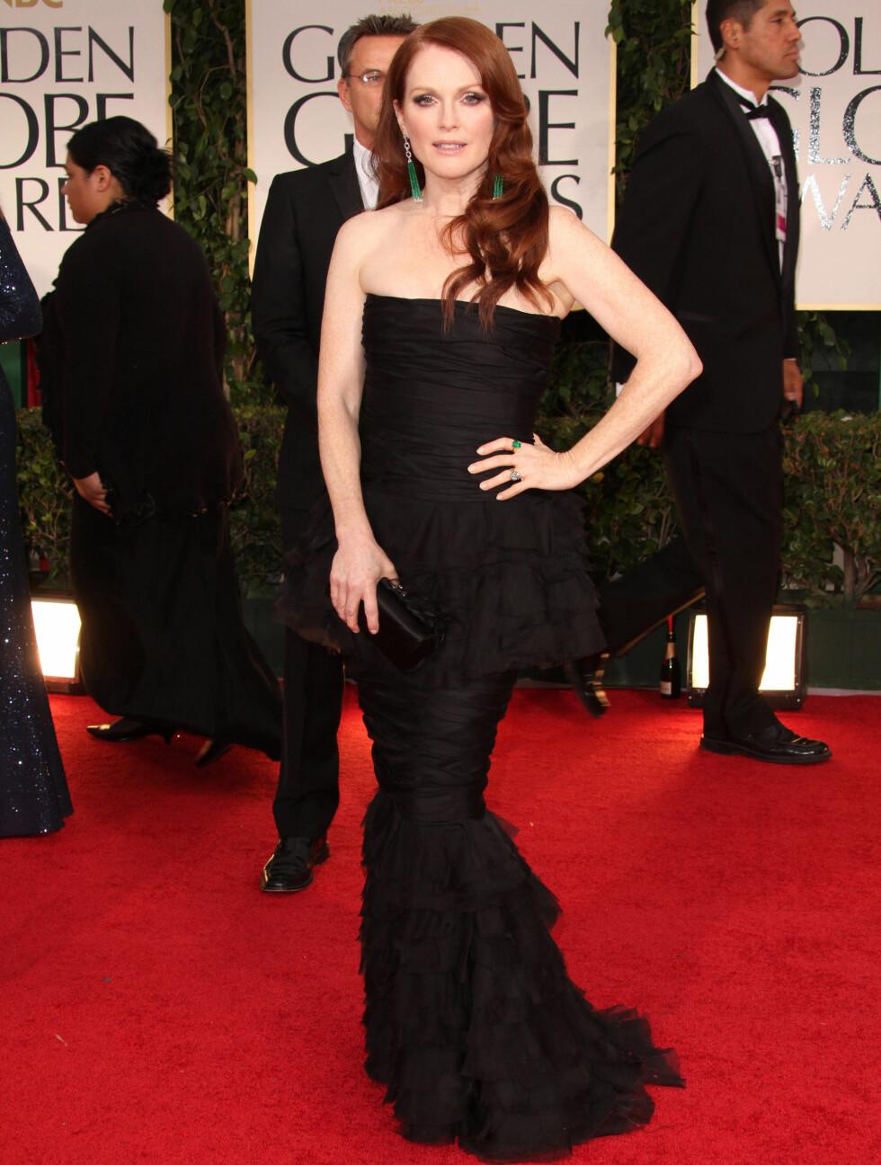 HAVFRUE: Julianne Moore var svært vakker i en sort kjole i havfruefasong.  Foto: Stella Pictures