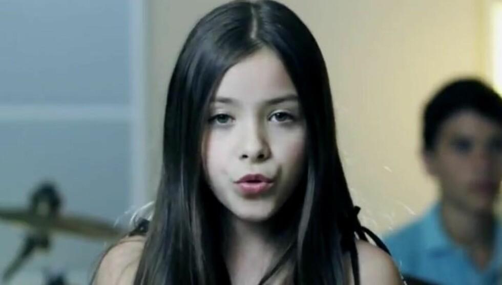 SANGFUGL: Angie Vazquez fra Mexicali er en liten jente med en stor stemme. Ekspertene spår at hun blir den neste store barnestjernen.