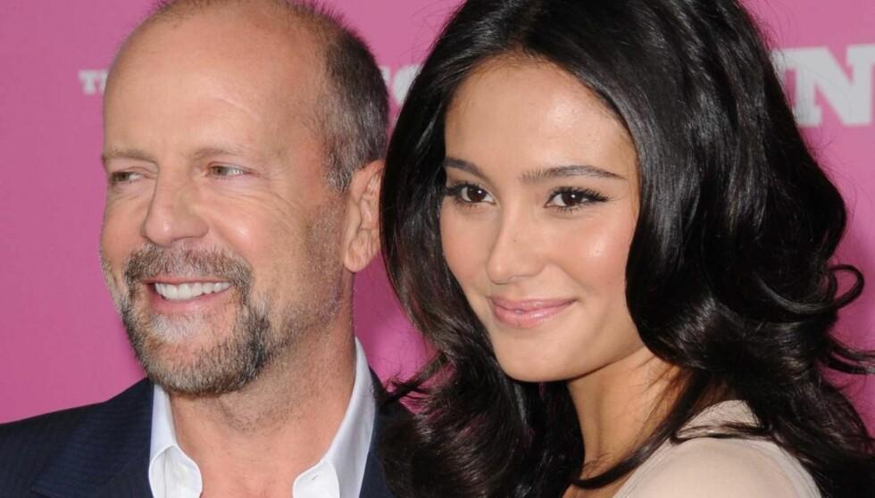 FÅR EN JENTE: Bruce Willis og kona Emma Heming venter en liten jente ifølge venner av paret.  Foto: All Over Press