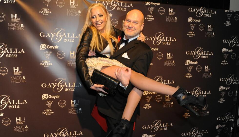 TILBAKE I NORGE: Jostein Pedersen har flyttet tilbake til Norge etter 15 år i London. Her sammen med Linni Meister på Gaygalla 2012» på Edderkoppen Teater tidligere denne måneden. Foto: Stella Pictures